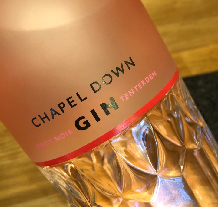 English Wine Makers branching into Gin – A Review of Pinot Noir Gin from ChapelDown